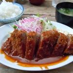 洋食の朝日 - ビフカツ1380円♪ご飯はおかわり出来ます(≧▽≦)♪男性と女性とでは 茶碗の大きさが違うけどにゃ!!!