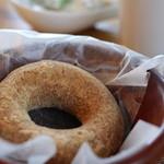 ホア カフェ - 料理写真:黄粉ドーナツ