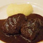 ラ・ベットラ・ダ・オチアイ - 牛ほほ肉の赤ワイン煮