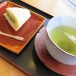ミヤコヤ - 料理写真:お茶と抹茶オムレット☆