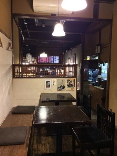 玉ゐ 本店 - 1階奥から