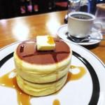 ピノキオ - ホットケーキ、ブレンドコーヒー