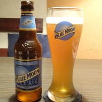 アラビアン酒場 ココブランカ-ブルームーン(アメリカのビール)