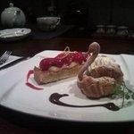 デザートカフェ ユウタ - ケーキを2品オーダー。
