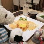 羊の家 - こちらのお店の看板メニューはスイスなお料理の クリームフォンデュなんだよ。 みんなでフォンデュパーティーをしたら楽しそうだね~♪