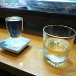 じぃえんとるまん - 田酒と白ワイン(日本酒ではありません)