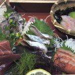 37729406 - 本日の鮮魚5品盛り合わせ1,499円(+税)
