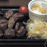 37729408 - 牛ハラミサイコロステーキ799円(+税)