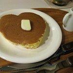 ぴらにやカフェ - ハート型のホットケーキ220円