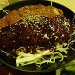 大和屋 - ソースたっぷりタイプのカツ丼です!