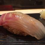 鮨 とかみ - 2015/5_ランチ1貫目:真鯛