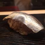 鮨 とかみ - 2015/5_ランチ6貫目:コハダ