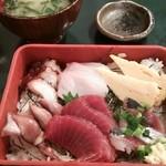 37745087 - ランチ 日替わり海鮮丼