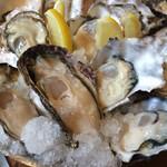 かき小屋 - 三種の生牡蠣アングル違い