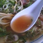 藤 本店 - 濃口醤油のあっさり系スープ