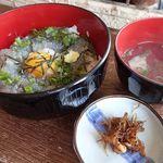 37748503 - 生しらす丼;牡蠣潮汁・生炊きしらす(胡桃入り)付きです @2015/05/08