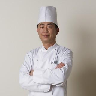ベテランチーフが作る広東家庭料理のお魚が味わえます。