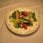 メルローズイタリアーノ - 地元の野菜を使ったセットサラダです。(2人前)