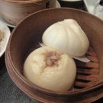 翠亨邨茶寮 - 包子(肉まん&叉焼まん)