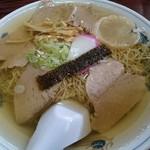 37751432 - チャーシュー麺大盛り(¥700)スープの透明度が半端ないです!!