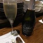 LEONE - まずはスプマンテで乾杯^^