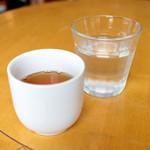 mamma - てんないで食べるとお冷とほうじ茶のサービスが。 '15 4月中旬