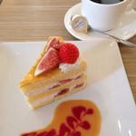 カフェ・ダウニー - いちじくケーキセット690円