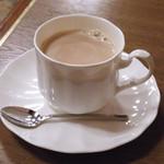 喫茶館 英国屋 神戸 - カフェオレ \500