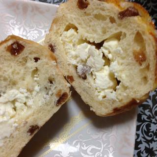 パン工房 麦びより - おほしさま断面図