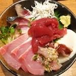 37758823 - 15.05.08【限定5食】生本マグロ中落ち海鮮丼(1404円)