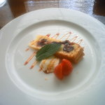棕櫚  - ダークチェリーのタルトとパンナコッタ