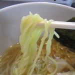 中華そば 一信  - 麺は中細ストレート