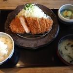 まる家 - 料理写真:定番「ロースかつ定食」