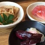 農業高校レストラン - 小鉢2種と漬け物(2015.5.9)