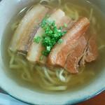 ゆんたく亭 - 料理写真:ソーキソバ