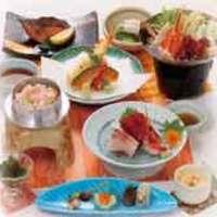 さむらい - 価格3240円税込み 季節の釜飯をご賞味ください。