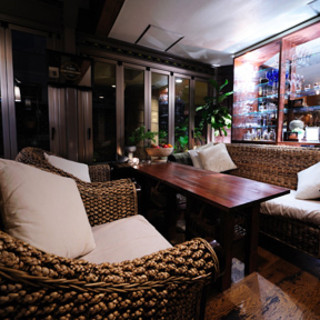 まるでリゾートのようなソファ席。ゆったりとリラックスできます