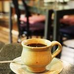ひのはら陶芸館 ギャラリー・喫茶 やまびこ - 料理写真:陶芸家・斎藤由記氏のぬくもりあるカップでブレンドコーヒー