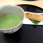 安房あづち茶屋 - 料理写真:抹茶(お菓子付)!
