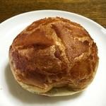 37773971 - 洋風あんパン 180円