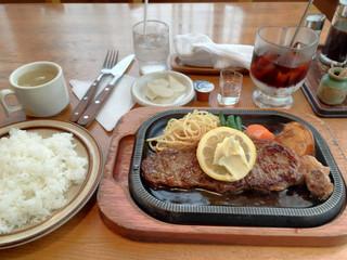 馬 - ガーリックステーキ2480円
