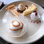 ヤサシイウタ - ケーキプレート(きなこティラミス・ベイクドチーズ・アイスクリーム)