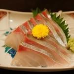季節料理くら井 - シマアジ刺身680円 相変わらず美味い☆