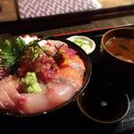 高半 - 海鮮丼(並・夜)1300円