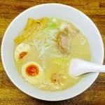 にゃがにゃが亭 - 料理写真:らうめん+味玉(780円)