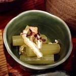 連根屋 - 小鉢・フキ(((o(*゚▽゚*)o)))美味しいです♪