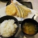 天ぷら倶楽部 - 日替わり定食・6品(750円+税)