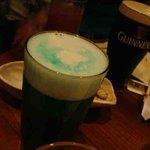 Irish Pub ブライアンブルー - 緑ビール
