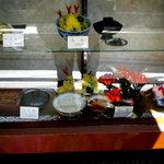 天元 - 店頭の食品サンプルは年季が入っています