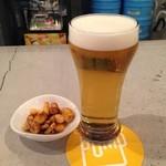 37790422 - パイナップルエール&チャージつまみ 醸造所は(神奈川県)サンクトガーレン